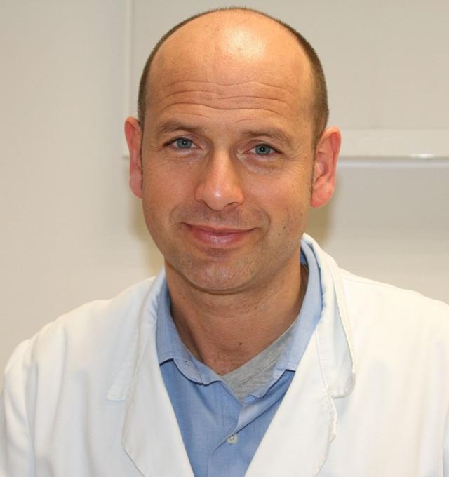Dr. Jordi Postius Robert