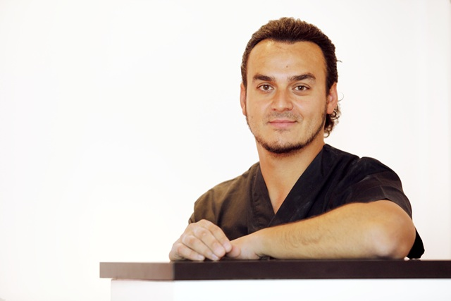 Dr. César Colina Santamaría