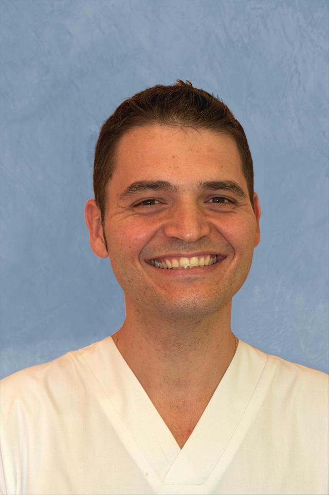 Dr. César Ruiz Serrano - 634869232132496901