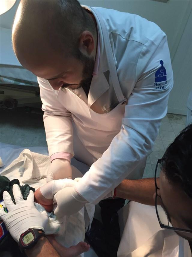Dr. Carlos Alberto Larragoiti Ramírez - gallery photo