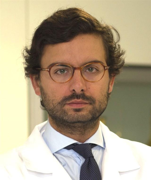 Dr. Alvaro Velázquez Villoria