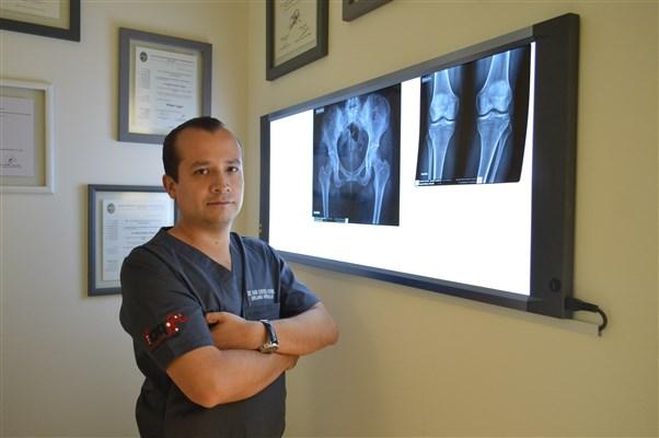 Dr. Alberto Muñoz Macias - gallery photo