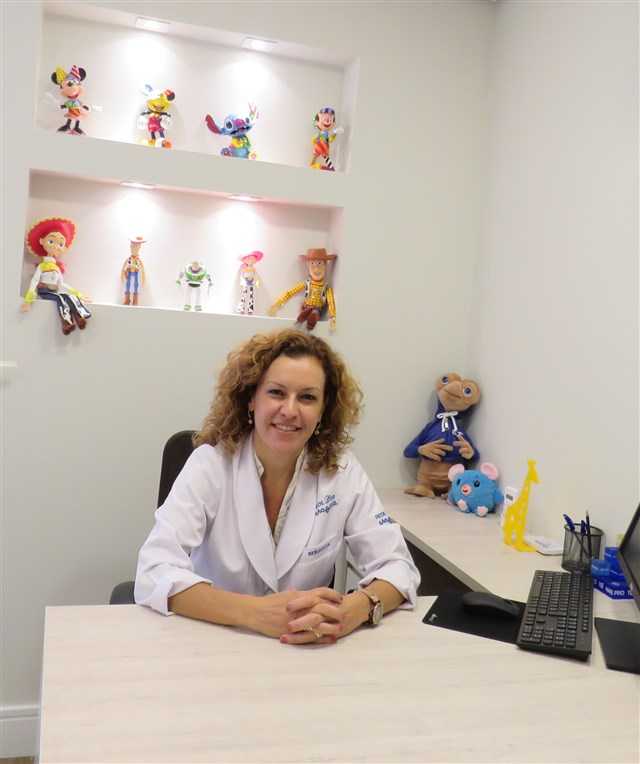 Dra. Claudia Maua Comodo - profile image