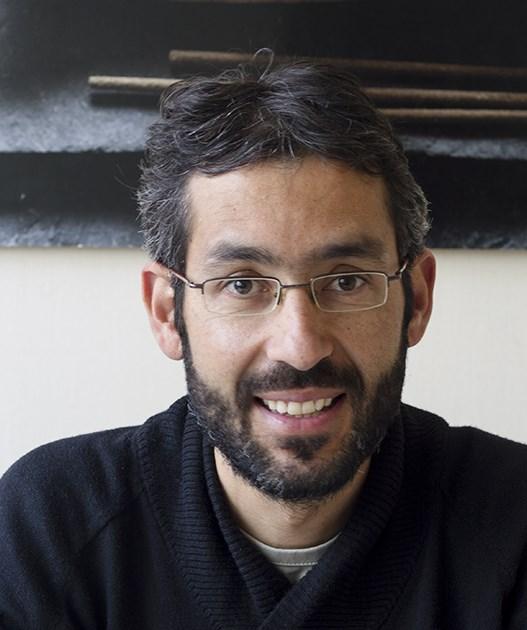 Dr. Gustavo Mesa De León