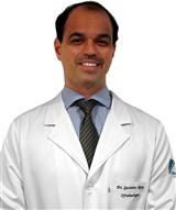 Dr. Gustavo Nery