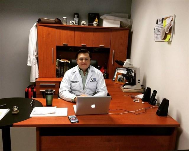 Dr. Cesar Ricardo Castañeda Vazquez - gallery photo