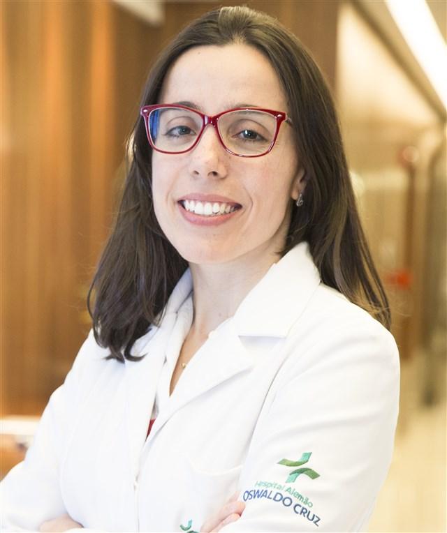 Dra. Renata D'Alpino Peixoto - profile image