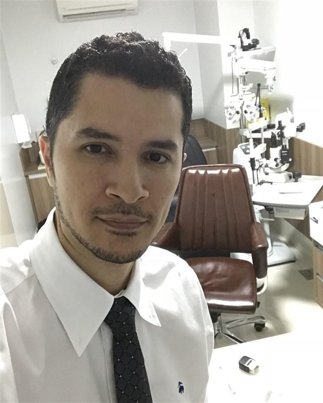 Dr. Marcelo Leão - gallery photo