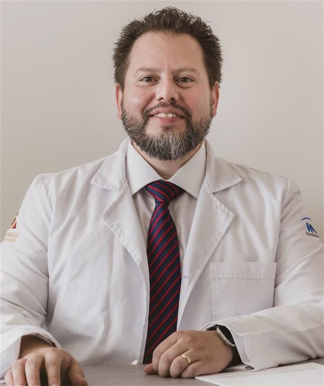 Dr. Oliver Valdes - profile image