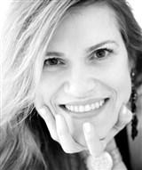 Dra. Andrea Della Favera