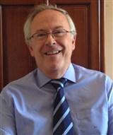 Dr. Carlos Yebra Montero