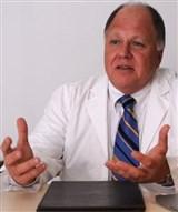 Dr. Esteban Caleta